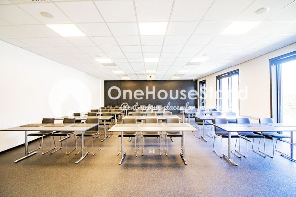 Picture of an event venue rental in Onze-Lieve-Vrouw-Lombeek, Flemish Brabant, Inside Deaur's meeting room 18112