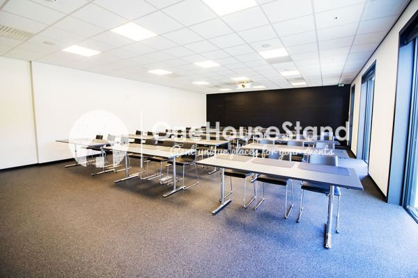Picture of an event venue rental in Onze-Lieve-Vrouw-Lombeek, Flemish Brabant, Inside Deaur's meeting room 18154