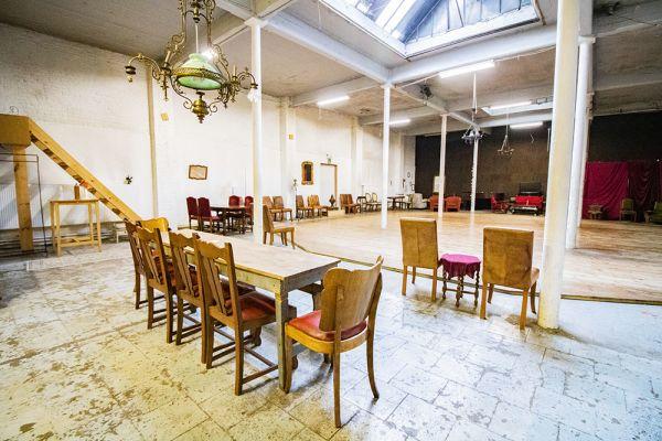 Photo d'une salle à louer à Brussel, Bruxelles, Dans la salle de Vincent 19259
