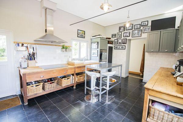 Photo d'une salle à louer à Bierges, Brabant Wallon, Dans la maison de Dominique & Bruno 21020