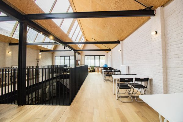 Photo d'une salle à louer à Sint-Amandsberg(Gent), Flandre Orientale, Dans le studio de Shanti 21244