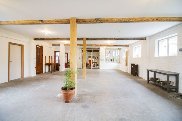 Picture of an event venue rental in Uccle, Brussels, Inside Clara's workshop 22015