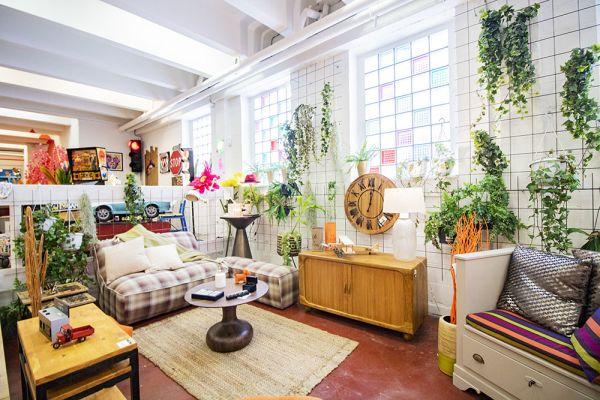 Photo d'une salle à louer à Haine-Saint-Paul, Hainaut, Dans le showroom de Stéphane 22156