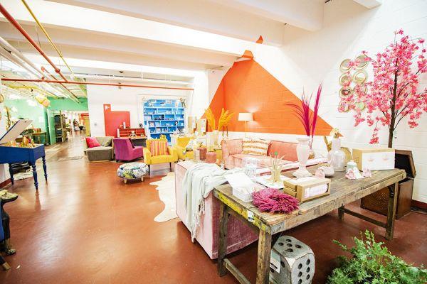 Photo d'une salle à louer à Haine-Saint-Paul, Hainaut, Dans le showroom de Stéphane 22159