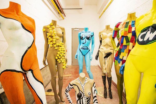 Photo d'une salle à louer à Haine-Saint-Paul, Hainaut, Dans le showroom de Stéphane 22162