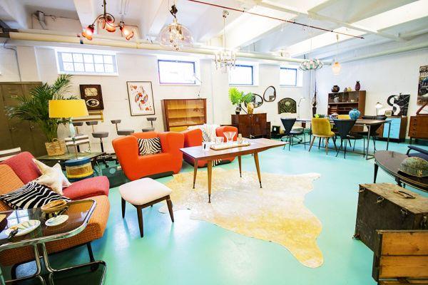 Photo d'une salle à louer à Haine-Saint-Paul, Hainaut, Dans le showroom de Stéphane 22166