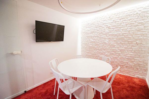 Photo d'une salle à louer à Elsene, Bruxelles, Dans le studio de Christophe 22217