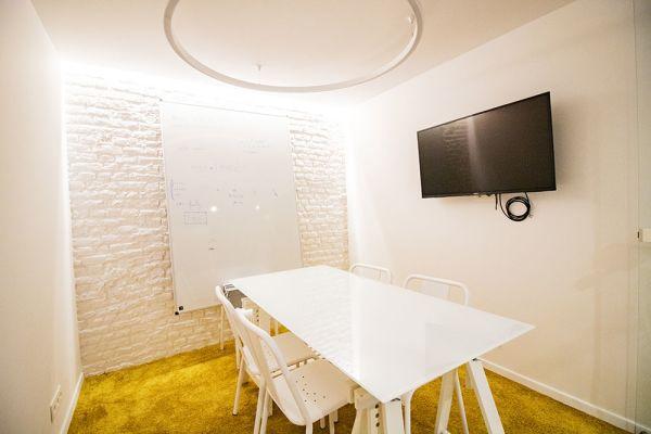 Photo d'une salle à louer à Elsene, Bruxelles, Dans le studio de Christophe 22218