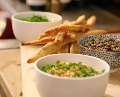 Photo menu Chips et assortiment de légumes