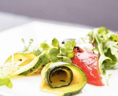 Photo menu Courgettes grillées et marinées aux herbes de Provence