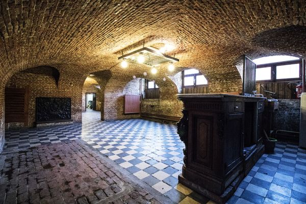 Picture of an event venue rental in Schaerbeek, Brussels, Inside Alexandra's basement and garden 752