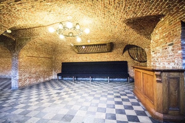 Picture of an event venue rental in Schaerbeek, Brussels, Inside Alexandra's basement and garden 760