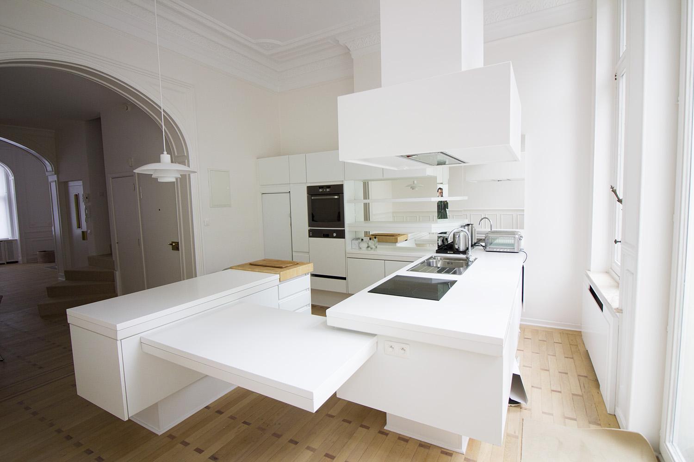 Photo d'une salle à louer à Ixelles, Bruxelles, Dans le salon de Raphaël 767