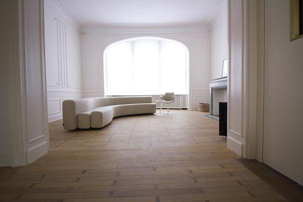Photo d'une salle à louer à Ixelles, Bruxelles, Dans le salon de Raphaël 770
