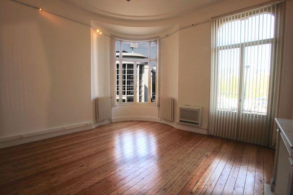Photo d'une salle à louer à Bruxelles, Bruxelles, Dans la villa de Garance 2247
