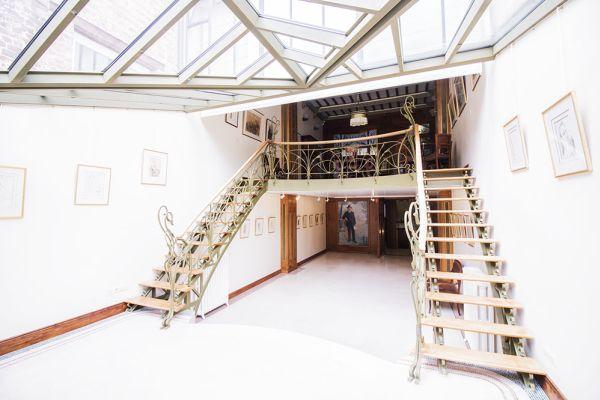 Photo d'une salle à louer à Ixelles, Bruxelles, Dans la maison d'Audrey 3037