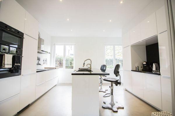 Photo d'une salle à louer à Uccle, Bruxelles, Dans la maison de Guy 3965