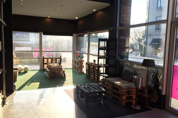 Photo d'une salle à louer à Uccle, Bruxelles, Dans l'oenothèque de Mélanie 951