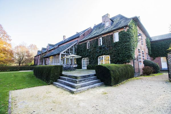 Picture of an event venue rental in Bassilly, Hainaut, Inside Lauren's house 4541