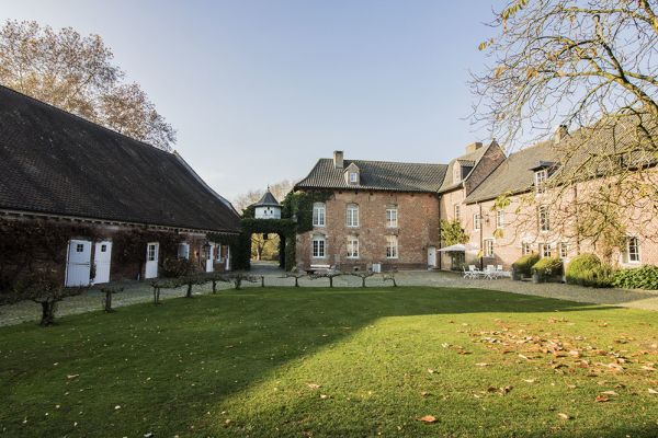 Picture of an event venue rental in Bassilly, Hainaut, Inside Lauren's house 4557