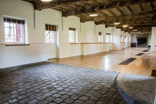 Picture of an event venue rental in Bassilly, Hainaut, Inside Lauren's gallery 4577
