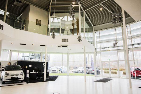 Photo d'une salle à louer à Auderghem, Bruxelles, Dans le showroom d'Alexis 4768