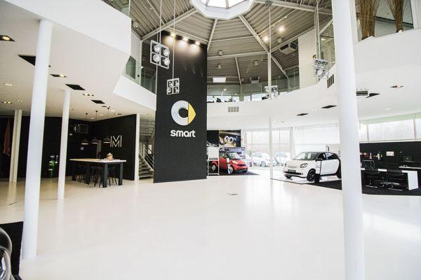 Photo d'une salle à louer à Auderghem, Bruxelles, Dans le showroom d'Alexis 4770