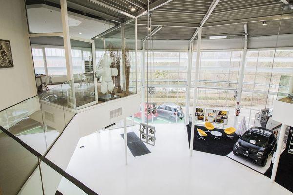 Photo d'une salle à louer à Auderghem, Bruxelles, Dans le showroom d'Alexis 4778