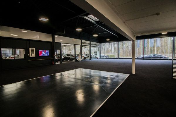 Picture of an event venue rental in Auderghem, Brussels, Inside Alexis' showroom (II) 4796